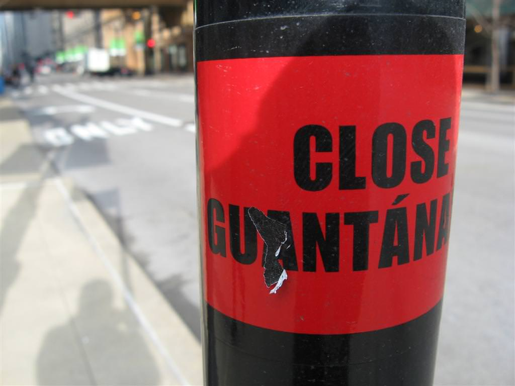 close_guantanamo_chicago_02.jpg