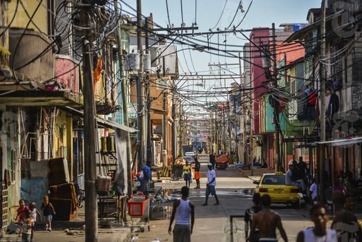 Colon Panama wires overhead
