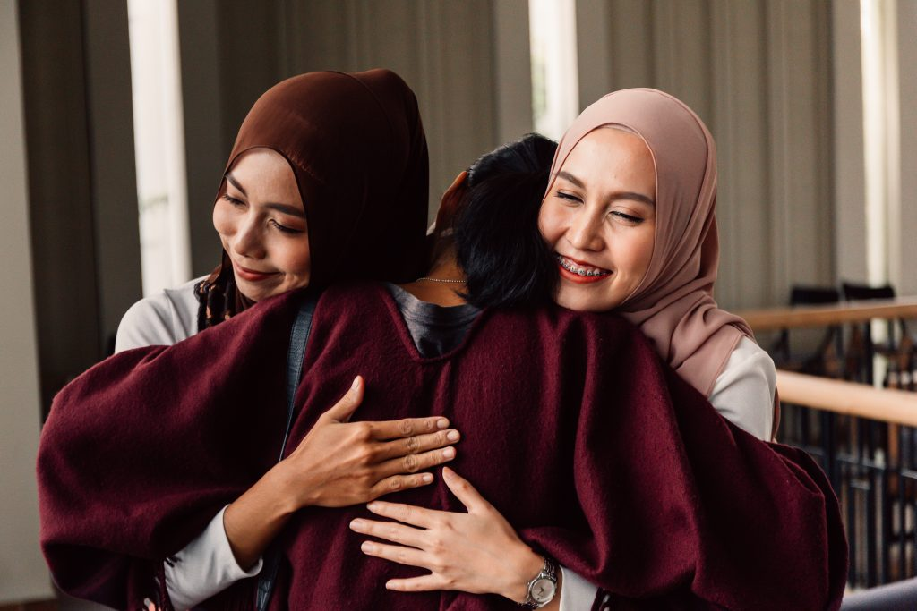 convert friendship hugs