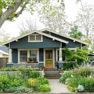 Craftsman bungalow cottage